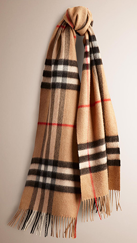 08_classic_cashmere_scarf_cz-burberry-com
